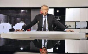 """Dominique de Villepin a affirmé dimanche soir sur TV5Monde qu'""""à (sa) connaissance"""", il n'y avait """"aucun lien"""" entre l'arrêt à partir de 1995 du versement de commissions dans le cadre d'un contrat d'armement avec le Pakistan et l'attentat de Karachi en 2002."""