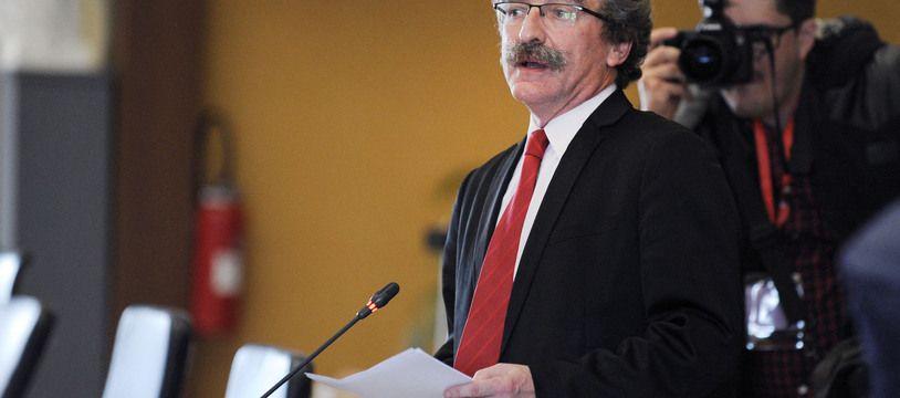 En Ille-et-Vilaine, le socialiste Jean-Luc Chenut est en bonne position pour conserver son siège.