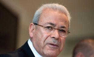 Le chef du Conseil national syrien (CNS) Burhan Ghalioun, principale instance de l'opposition syrienne, a salué jeudi la défection du vice-ministre du Pétrole, indiquant à l'AFP s'attendre à ce que d'autres hauts cadres du régime fassent de même.