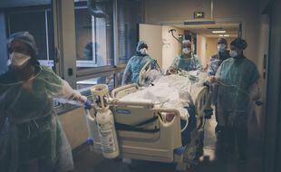 Les chiffres du nombre d'hospitalisations continuent de baisser