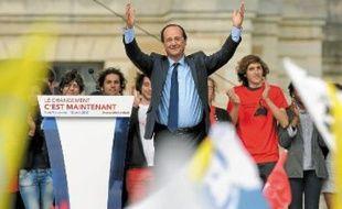 Selon le PS, François Hollande a réuni 100000 personnes à Vincennes, dimanche.