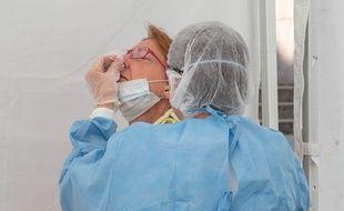 Un test PCR à Strasbourg, le 20 juillet 2020.