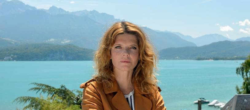 Gwendoline Hamon incarne Florence Cassandre dans la série éponyme.