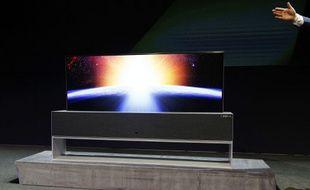 Le téléviseur «enroulable» de LG présenté au CES le 7 janvier 2019 sera commercialisé cette année.