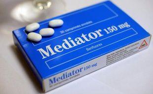 """""""Enfumage"""", """"volonté d'occulter"""": deux experts et ex-membres de l'Agence de sécurité des produits de santé (Afssaps) ont pointé du doigt vendredi la responsabilité des laboratoires Servier, au 4e jour du procès du Mediator."""