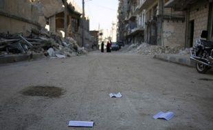 Des flyers distribués par le qouvernement syrien encourageant habitants et rebelles à quitter les quartiers est d'Alep, le 20 octobre 2016.
