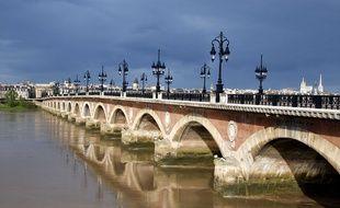 Le Pont de pierre, à Bordeaux.