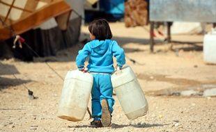 Un jeune réfugié irakien fuit Mossoul, la dernière ville irakienne majeure sous le contrôle de l'Etat islamique.