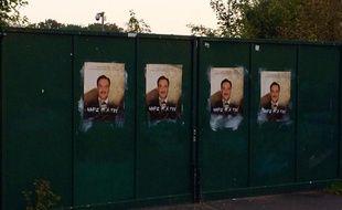 Les Red Tigers ont collé une centaine d'affiches anti-Mammadov dans les rues de Lens