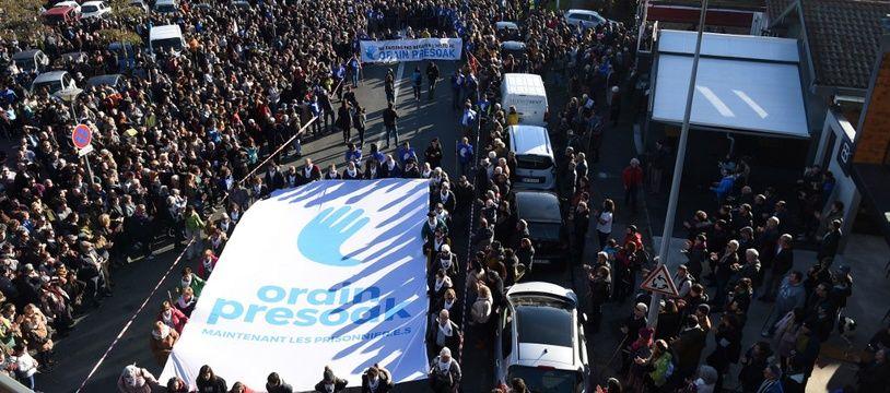 Plusieurs milliers de personnes ont défilé à Bayonne samedi pour alerter sur le sort des prisonniers basques.
