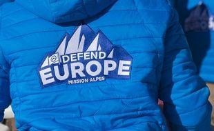 Une veste « Défend Europe » de Génération identitaire, un groupuscule d'extrême droite.