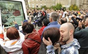 Le pape a été accueilli par des baisers gays, à Saint-Jacques de Compostelle le 6novembre 2010.