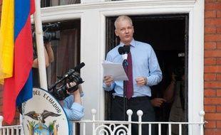 """Réfugié depuis deux mois à l'ambassade d'Equateur à Londres, M. Assange s'en est pris dimanche aux Etats-Unis, demandant au président Barack Obama de """"mettre fin à la chasse aux sorcières"""" contre lui et WikiLeaks."""