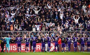 Les supporters d'Anderlecht célèbrent le succès de leur équipe