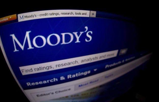 """L'agence de notation américaine Moody's a averti mardi qu'elle pourrait priver les Etats-Unis de leur note """"Aaa"""" si le Congrès ne parvient pas à se mettre d'accord en 2013 sur un moyen de stabiliser puis réduire le ratio de la dette publique au produit intérieur brut du pays."""