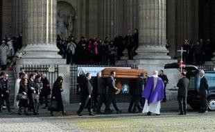 Le cercueil de Michel Delpech à la fin des funérailles religieuses à l'église Saint-Sulpice, le 8 janvier 2016 à Paris
