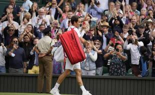 Federer fait ses adieux au public de Wimbledon.