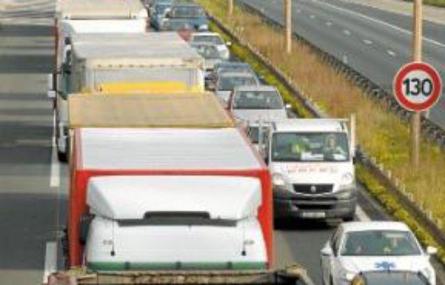 Embouteillage sur l'autoroute A35.