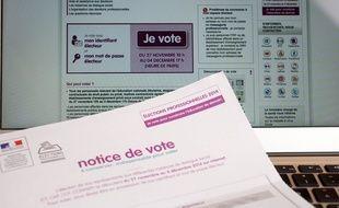 Elections professionnelles 2014 dans la fonction publique. Les fonctionnaires votent pour designer leurs representants syndicaux Paris, FRANCE - 03/12/2014/LOISONVINCENT_1851010/Credit:Vincent Loison/SIPA/1412031859
