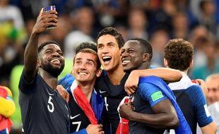 Les Bleus fêtent leur victoire en Coupe du monde, le 15 juillet 2018.
