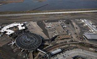 Le FBI a chargé son unité antiterroriste d'enquêter après plusieurs incidents au laser visant des avions arrivant à New York, a-t-on appris auprès de la police fédérale.