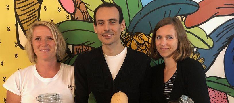 Des parents du 18 eme arrondissement de Paris qui militent pour une meilleure cantine.