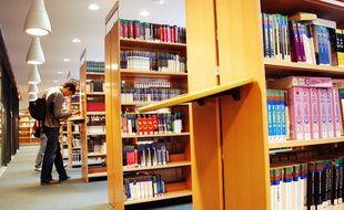La bibliothèque inter-universitaire de Jussieu à Paris