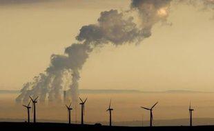Les éoliennes du site de Royd Moor près de Sheffield, Angleterre, le 19 octobre 2007.