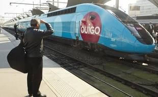 Présentation du nouveau train TGV «OuiGo» low cost de la SNCF, à Paris le 19 février 2013.