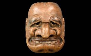 Masque japonais du XVIIIe siècle, représentant un personnage du théâtre kyogen