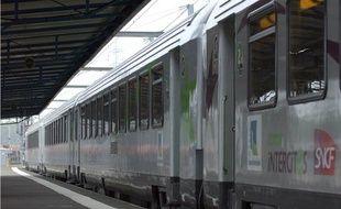 Illustration d'un train intercités.
