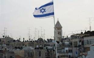 Deux des principales formations de l'extrême droite israélienne ont annoncé lundi leur fusion dans l'optique des prochaines élections, au sein d'une liste commune qui entend renforcer le caractère juif d'Israël et encourager la colonisation en Cisjordanie.