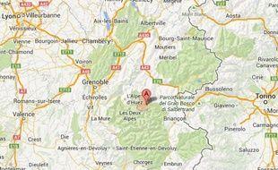 La Grave est située à 1500m d'altitude, à la limite des départements de l'Isère et des Hautes-Alpes.