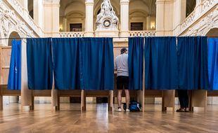 Comment expliquer l'abstention record des jeunes aux élections régionales dimanche 20 juin 2021?