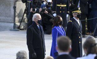 Le président des Etats-Unis Joe Biden, et la vice-présidente Kamala Harris au cimetière d'Arlington