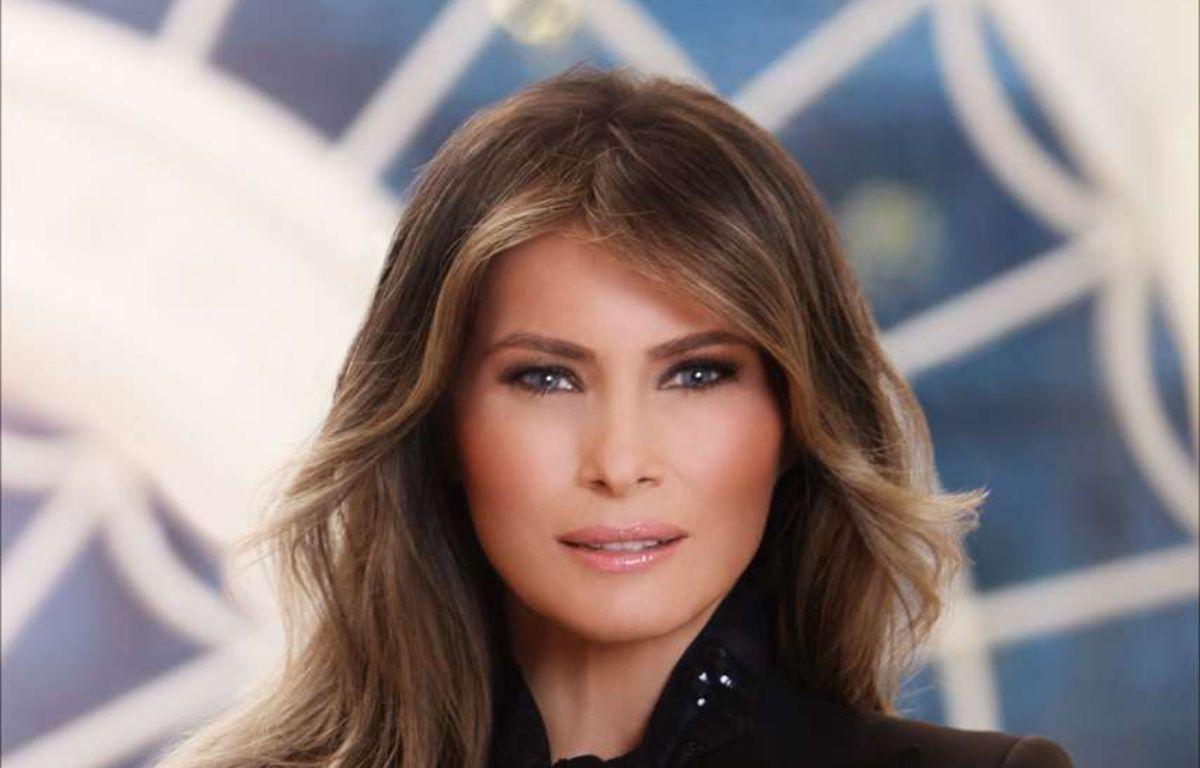 Melania Trump photographiée à la Maison Blanche pour son premier portrait officiel. – AP/SIPA