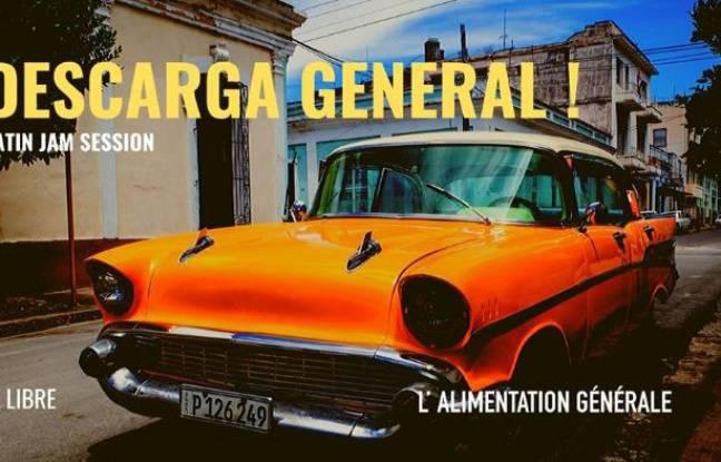 Chevrolet orange vintage dans les rues de Cuba