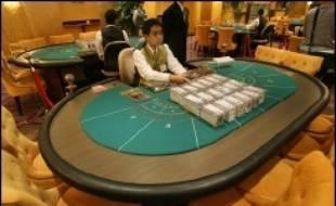 Les recettes du jeu ont égalisé l'an dernier à Macao celles de Las Vegas, à 5,6 mds USD, et l'ancienne colonie devrait à la fin de l'année avoir dépassé sa grande soeur américaine, selon les experts.