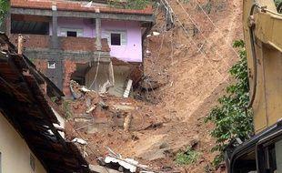 Un glissement de terrain à Vitoria, au Brésil, le 26 décembre 2013.