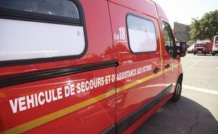 Les pompiers sont intervenus dans la nuit de samedi à dimanche dans un violent accident qui a coûté la vie à deux jeunes gens. Illustration.