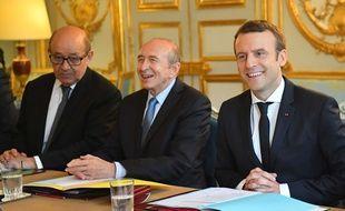Jean-Yves Le Drian, Gérard Collomb et Emmanuel Macron à l'Elysée le 18 mai 2017