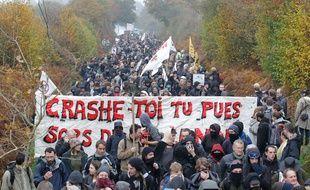Manifestation contre le projet d aéroport Notre dame des landes le 17 novembre 2012.
