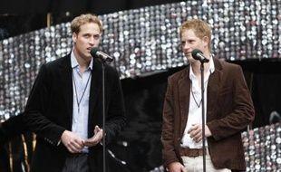 William et Harry à Wembley, le 1er juillet 2007, pour un concert hommage à leur mère, Lady Di, qui aurait eu 46 ans.