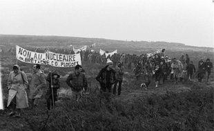 Entré dans la mémoire collective, le combat victorieux des habitants du village breton de Plogoff contre un projet de centrale nucléaire demeure, trente ans après, une référence, y compris dans la mobilisation contre l'aéroport de Notre-Dame-des-Landes, même si le contexte n'est pas le même.