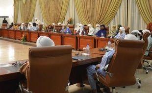 Les négociations entre le pouvoir malien et les rebelles touareg qui occupent Kidal, dans le nord-est du pays, se sont ouvertes samedi à Ouagadougou sous l'égide de la médiation burkinabè, a constaté un journaliste de l'AFP.