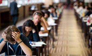 """Les lycéens surpris en train de frauder au baccalauréat seront désormais sanctionnés par une """"commission de discipline"""" académique, composée de sept personnes nommées par le recteur"""