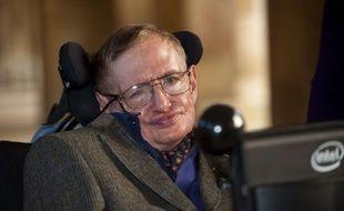 Stephen Hawking à la première du biopic consacré à sa vie, «Hawking», à Cambridge le 19 septembre 2013.
