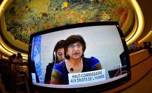 """La Haut-Commissaire de l'ONU aux droits de l'homme, Navi Pillay, a fustigé lundi à Genève l'échec du Conseil de sécurité à porter le cas syrien devant la Cour pénale internationale, le président de l'Assemblée générale de l'ONU, Vuk Jeremic, dénonçant pour sa part un """"carnage""""."""