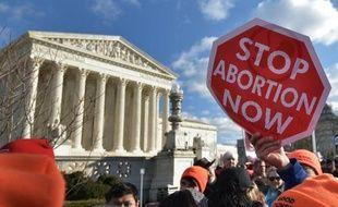 """Des dizaines de milliers de manifestants lors de la traditionnelle """"Marche pour la vie"""" contre l'avortement, le 22 janvier 2015 à Washington"""