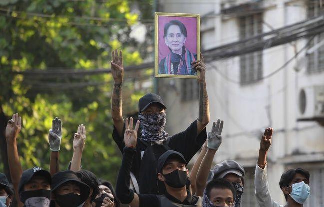 648x415 manifestants pro aung san suu kyi 1er avril 2021 birmanie